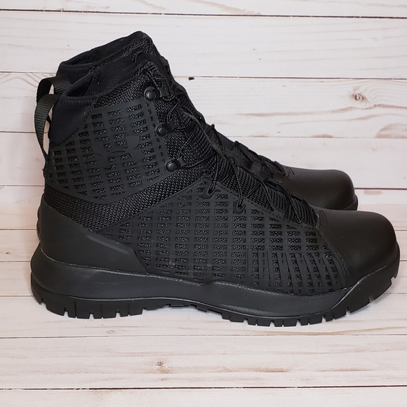 Under Armour Shoes   Stryker 8 Laceup